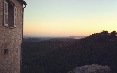 Rejsebrev fra Sydfrankrig – måske skulle man få sig et lille hotel på en bjergskråning?