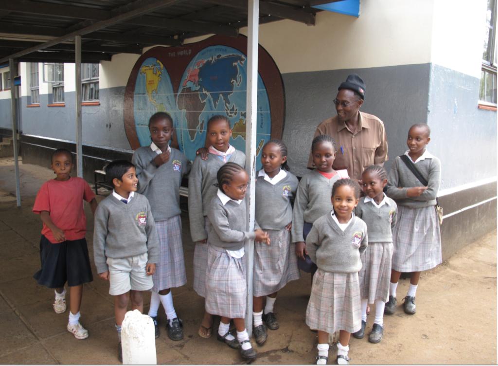 piger på skole i Naiobi